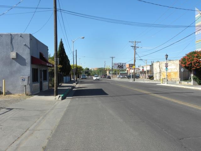 Barelas - empty street n
